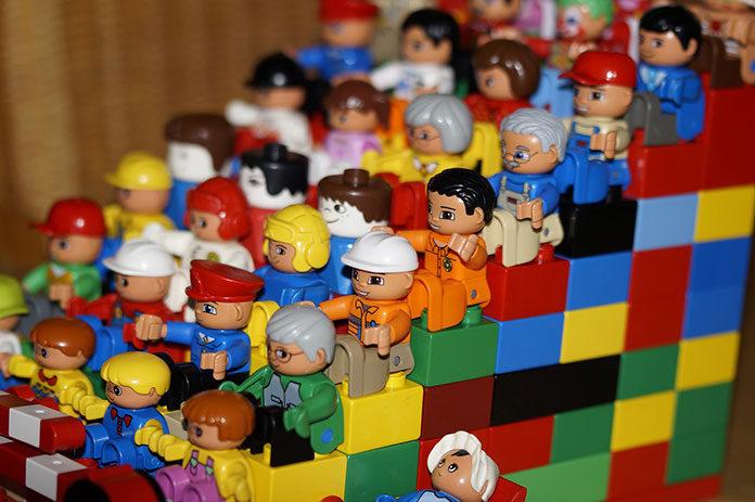Klocki Lego – czyli przez zabawę do architektury
