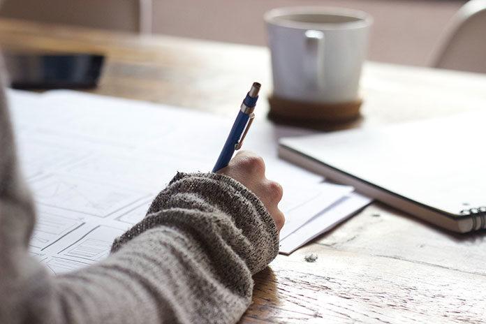 Jak napisać i obronić pracę licencjacką