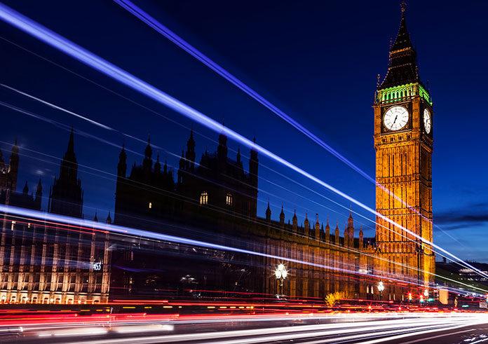 Jak mądrze wybrać ubezpieczenie na życie w UK?