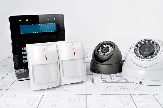Jak działa bezprzewodowy system alarmowy w domu?