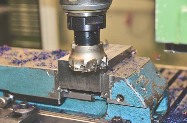 Nowoczesne techniki obróbki materiału - wysoka jakość i niska cena
