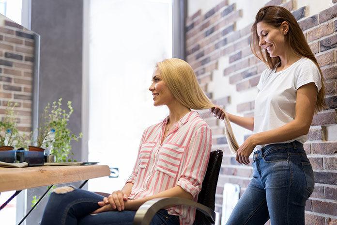 Jak usprawnić pracę salonu fryzjerskiego